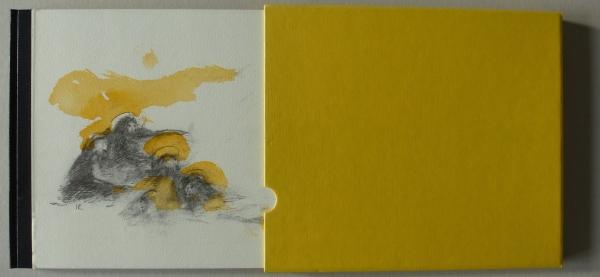50 Expl., num., sign., auf dem Cover ein handkolorierter Offsetdruck auf Bütten, innen acht handkolorierte Farblithografien auf Bütten, Format 22 x 27 cm, 26. S., Goldprägung auf dem Lederrücken, im Schuber, * Berlin 1997 <br><h3>250 €</h3>